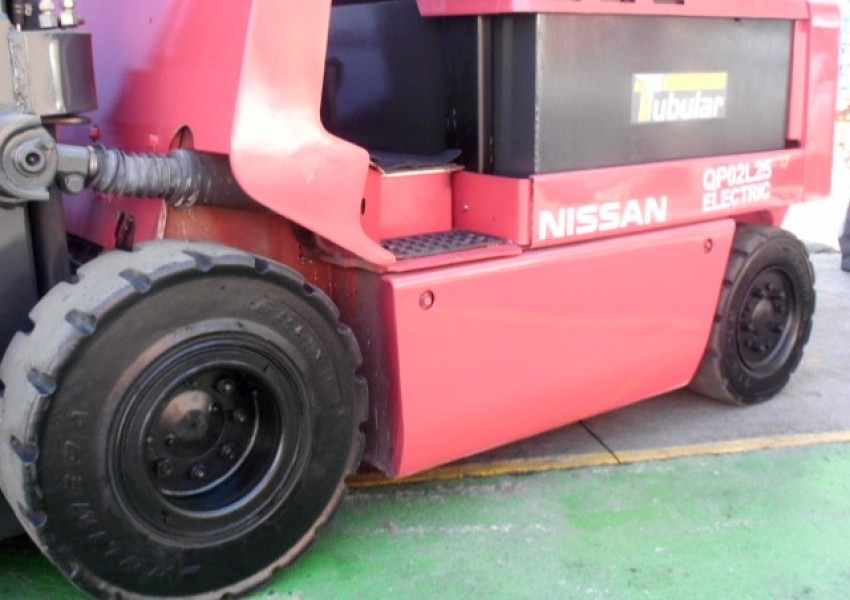 Nissan 2,5